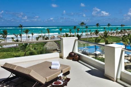hard-rock-hotel-casino-punta-cana-balcony-view-of-beach-2