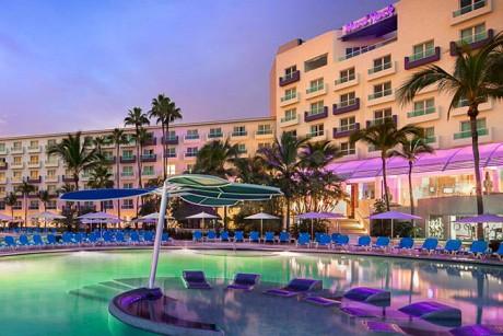 hard_rock_hotel_vallarta_sigature_pool_view-2